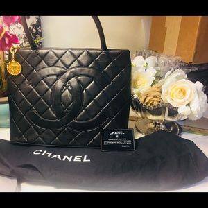 Auth CHANEL Caviar Black Lambskin Leather Handbag